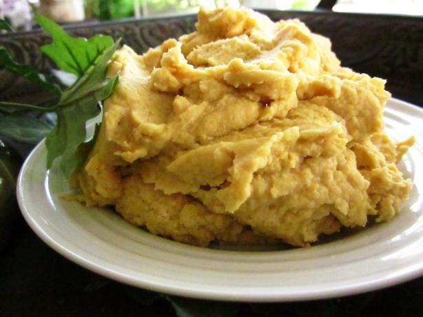 Roasted Garlic Hummus. Photo by gailanng