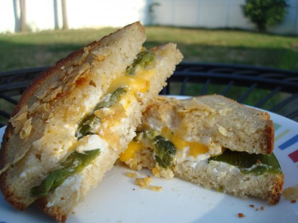 Jalapeno Popper Grilled Cheese Sandwich. Photo by Starrynews