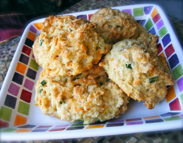 Scallion & Cheddar Drop Biscuits - Vegan. Photo by Kozmic Blues