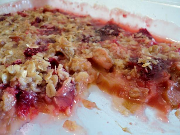 Classic Old-Fashioned Rhubarb Strawberry Crisp. Photo by valeriegrimes