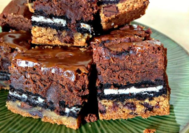 Even Sluttier Slutty Brownies. Photo by Mandy at Food.com