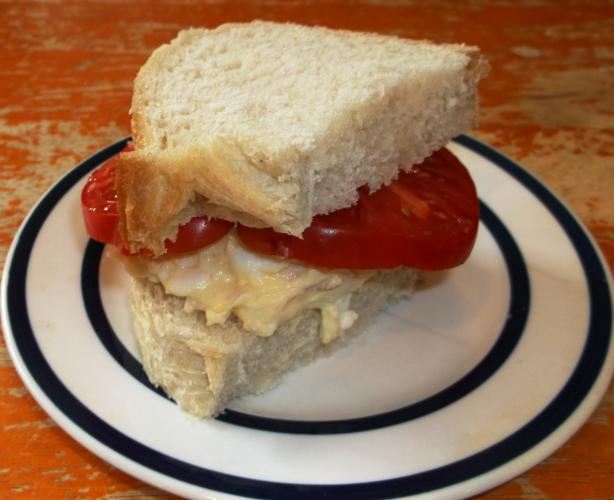 Brauoterta icelandic style sandwich tuna and egg recipe for Tuna and egg sandwich