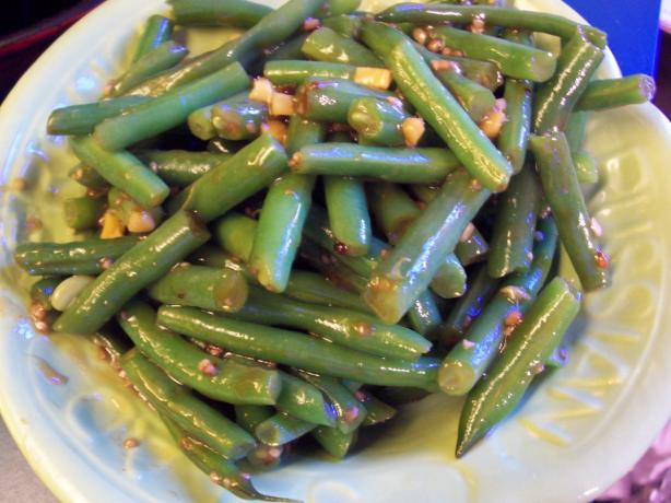 Asian green beans with sesame and garlic recipe - SheKnows