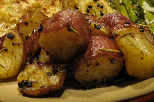 Roasted Rosemary Potatoes With Garlic Recipe - Food.com