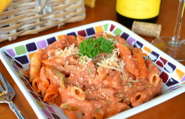 Creamy Pink Vodka Sauce with Penne. Photo by Marg (CaymanDesigns)