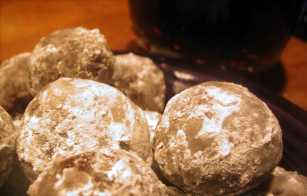 Chocolate Rum Balls (No-Bake). Photo by windy_moon