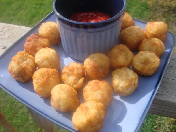 Homemade Potato Tots ( Tater Tots ). Photo by Linajjac