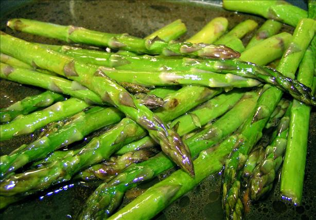 Roasted Asparagus With Balsamic Brown Butter Sauce. Photo by Hag chef