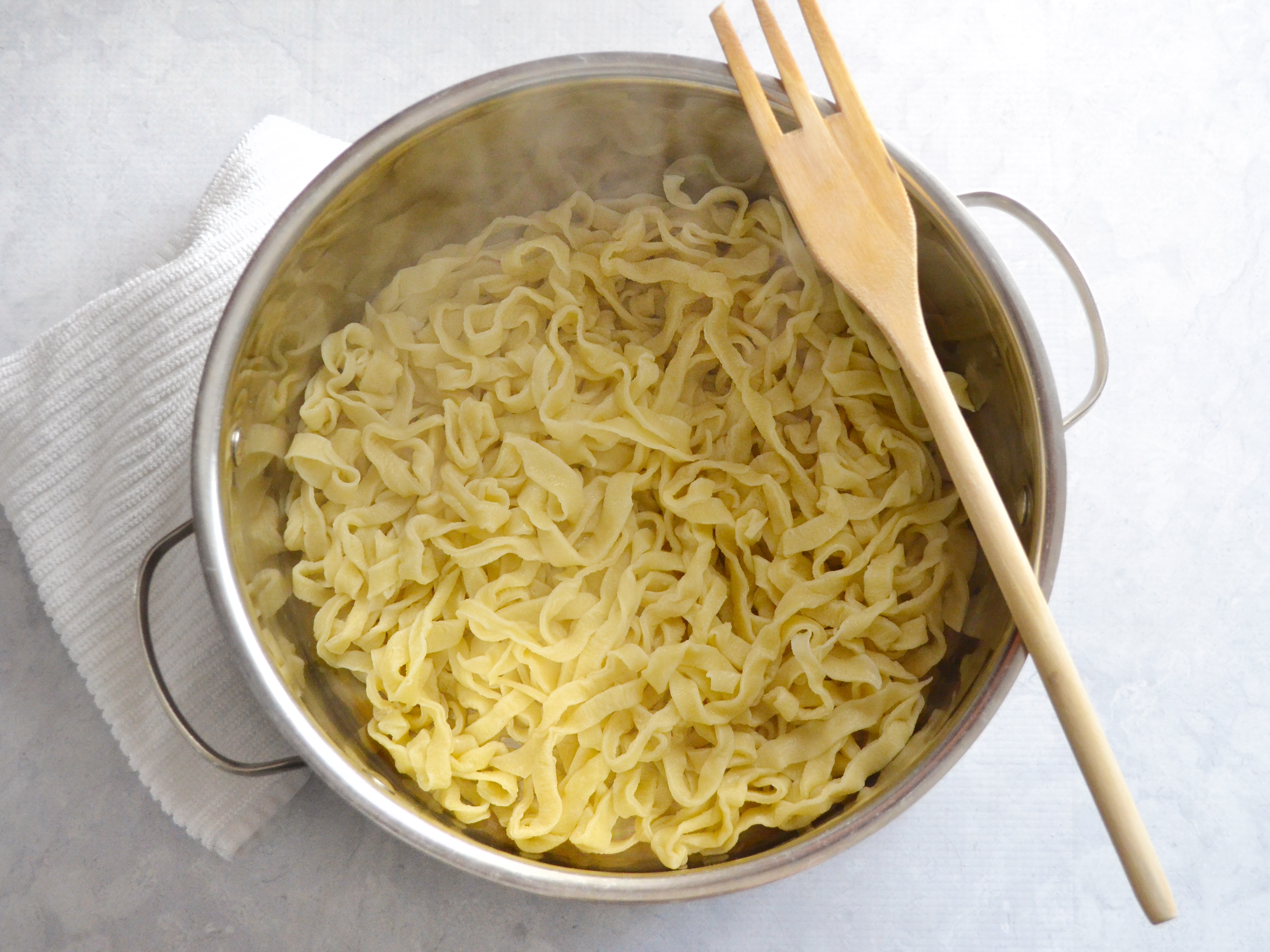 how to make noodles Super-thin rice noodles, or vermicelli, are de rigueur here, but as with pad thai the secret is all in the preparation the noodles need softening before they're added to the wok the noodles need.